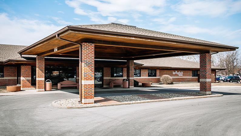 Brick exterior medical office building in Decatur, Illinois
