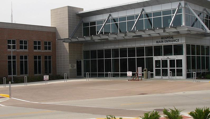 Exterior of hospital facility in Hillsboro, Illinois