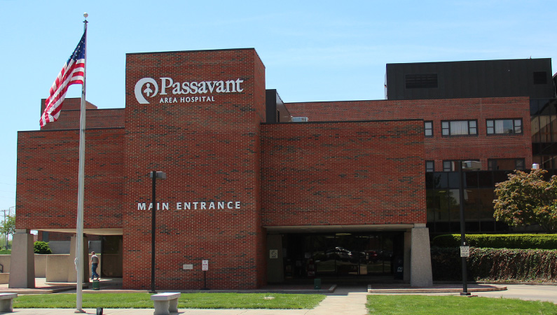 Exterior of multi-story brick hospital facility in Jacksonville, Illinois