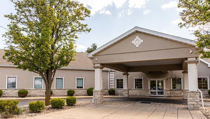 Exterior single story medical office building in Peoria, Illinois