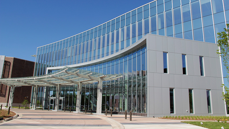 Glass exterior of multi-level medical facility in Springfield, Illinois