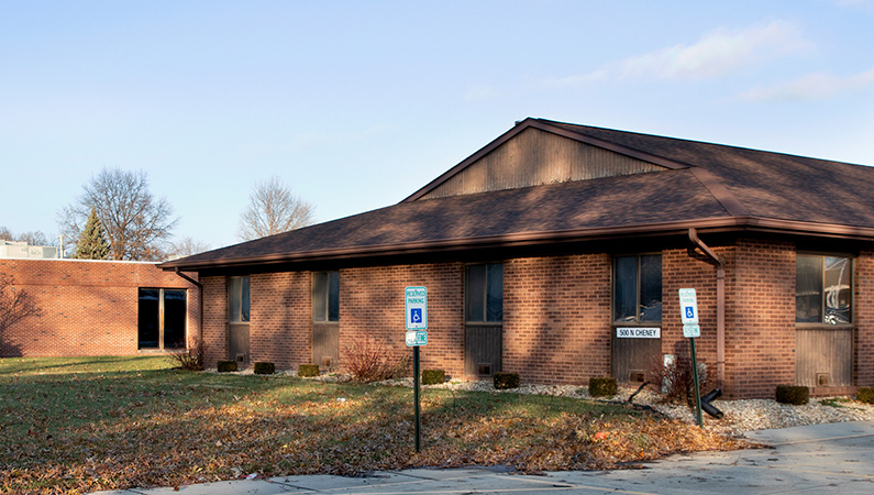Exterior of brick single story medical office building in Taylorville, Illinois